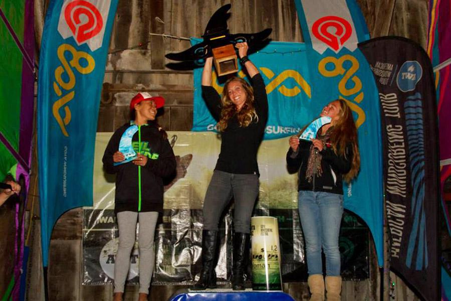 women-podium-sc13
