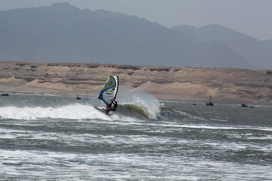 Ingrid-wave-turn