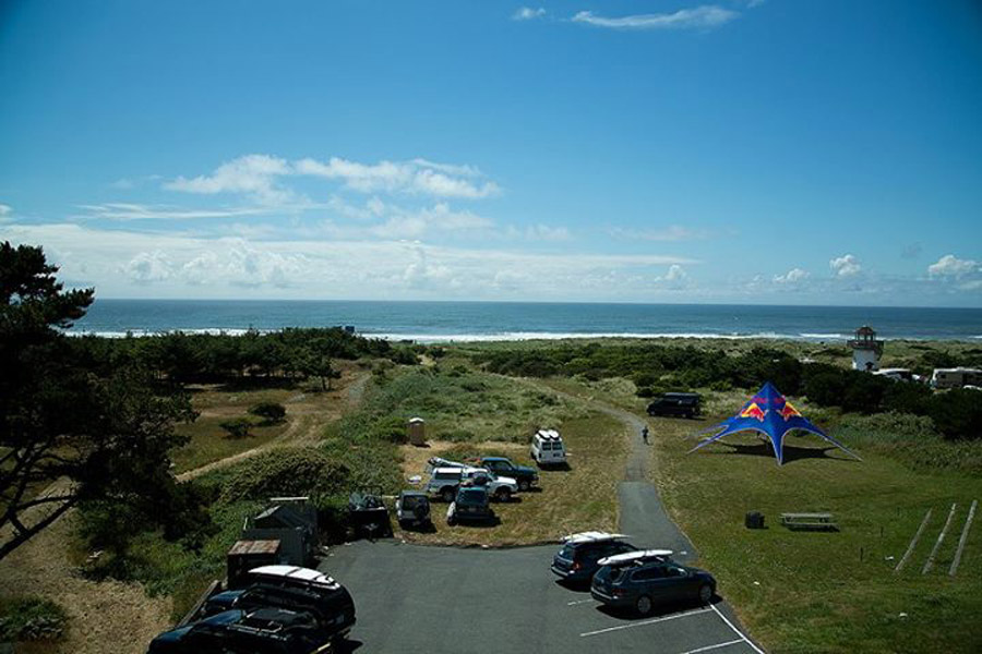 Beachcomber-parking-lot